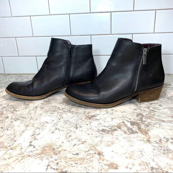 Kensie Women Black Leather Ghita Short